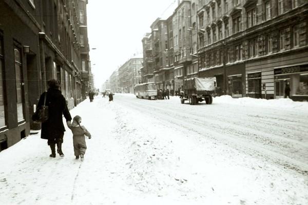 Ernst-Thälmann-Str., Blick stadtauswärts, im Winter 1978/79