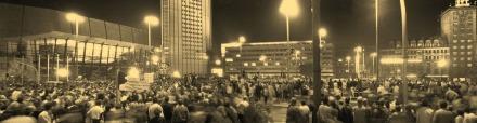 Karl-Marx-Platz, Blick vom Gewandhaus bis zum Kroch-Hochhaus
