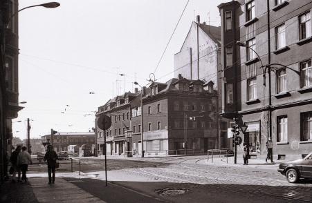 L.-Neuschönefeld, alte Häuser an der Kreuzung Ernst-Thälmann/ Hermann-Liebmann-Str., März 1989