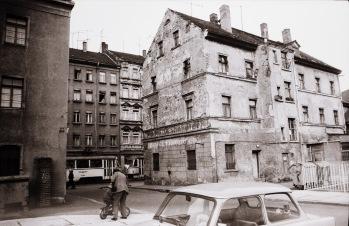 """L.-Neuschönefeld, Grundstück """"Bergschlößchen"""", im Nov. 1989"""