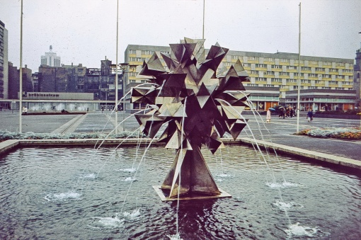 L., Pusteblume am Sachsenplatz, Oktober 1974