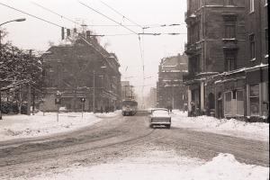 Leipzig, Rosa-Luxemburg-Straße stadtauswärts, im Januar 1987