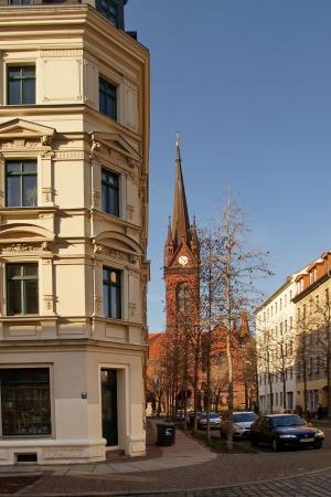 L.-Neustadt, Blick von der Hedwigstraße zur Heilig-Kreuz-Kirche, im März 2015