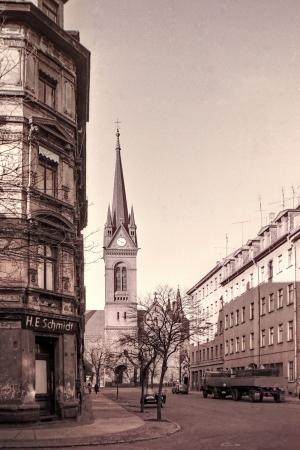 L.-Neustadt, Blick von der Hedwigstr. zur Kreuzkirche im März 1976