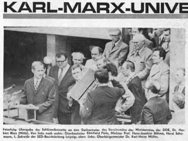 Leipzig, Artikel zur Schlüsselübergabe  in der Universitätszeitung, im September 1973