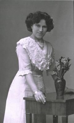 Gerhards Freundin Luise im Jahr 1908