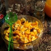 Mango-Obstsalat zum Frühstück - lecker und vitaminreich.