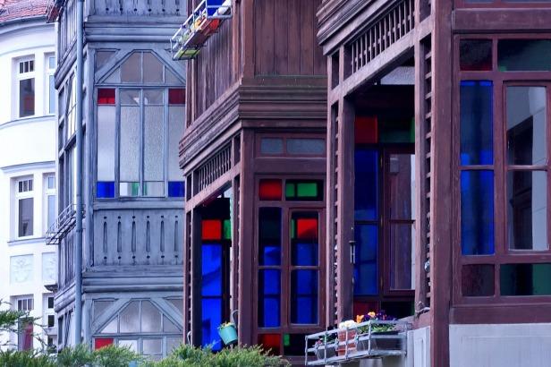 die schönen Balkone am Möbiusplatz, Blick nach Süden