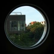 Blick durchs Sauna-Fenster nach Norden zum TwentyOne Club, Gottschedstraße 2