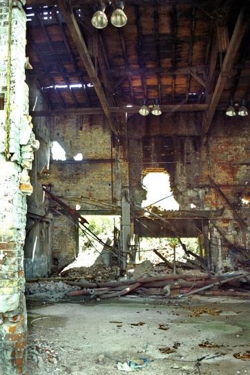 Lagergebäude (?) der ehemaligen Fa. MLW (2002)