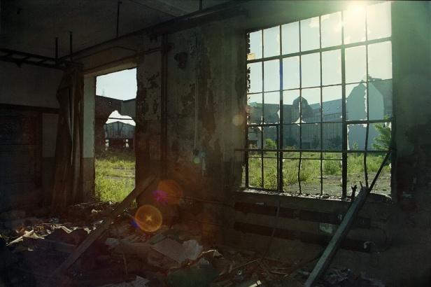 Fensterblick zum Gebäude Franz-Flemming-Straße 45